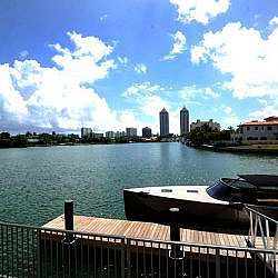 The Ritz-Carlton Residences Miami Beach Boat Dock