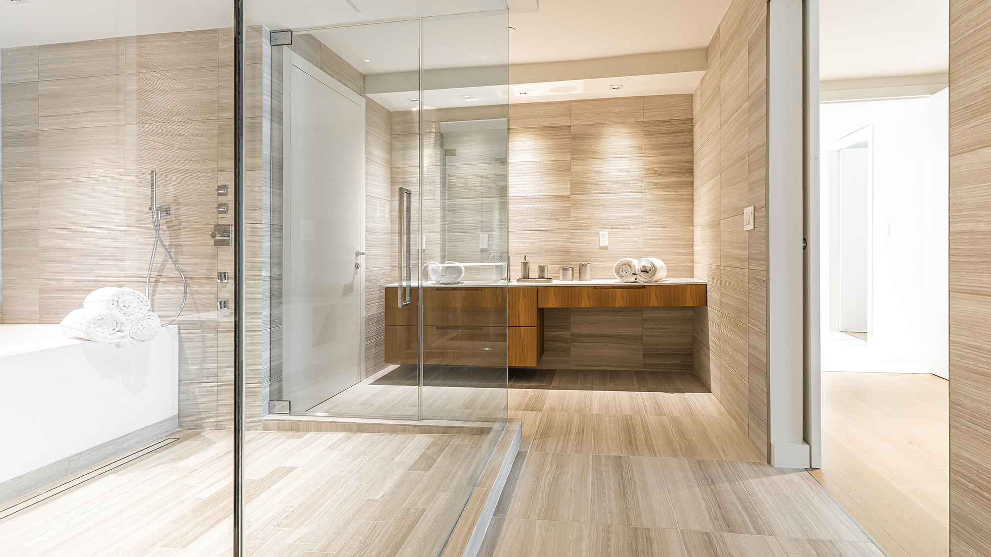 Miami-Beach-Condos-Bathroom